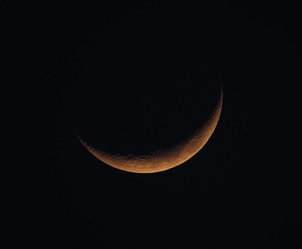新月 new moon