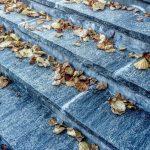 一歩一歩階段を上がるしかない